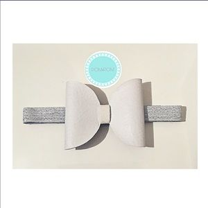 Other - Must bundle! White Bow Headband